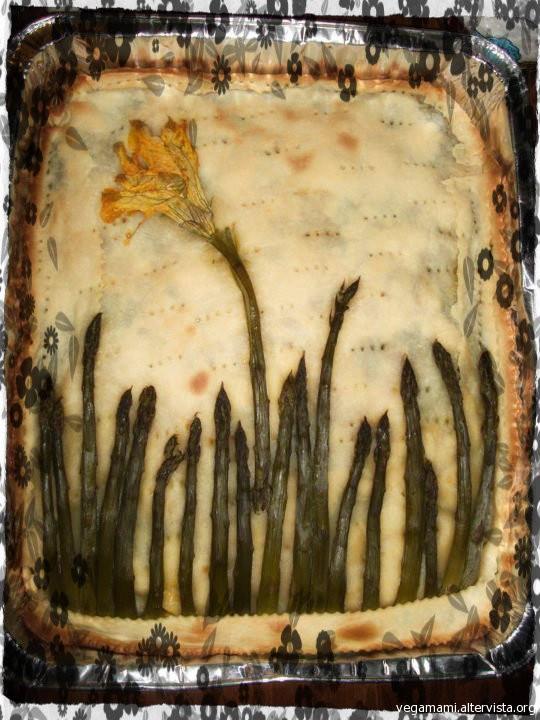 http://labottegadimimi.blogspot.it/2012/11/torta-salata-floreale.html