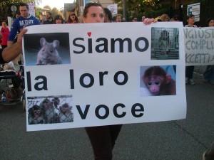 Manifestiamo per dar loro una voce